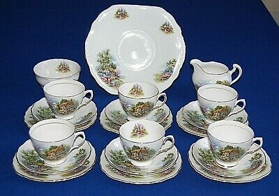 Vintage Royal Vale 21 Piece Country Cottage Tea Set. • 45.99£