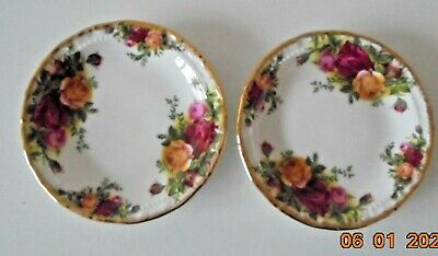 Royal Albert  Old Country Roses  Pair Of Round Pin Dishes (Diameter 12cms)    • 0.99£