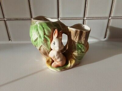 Withernsea Eastgate Fauna Vase With Rabbit • 8.99£