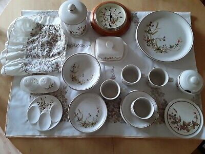 Marks & Spencers Harvest Design Kitchen And Tableware 1418 Pattern. 27 Pieces. • 35£
