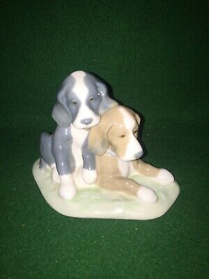 Lladro / Nao Figurine 1987 ~ Two Puppies / Dogs Sitting Figure  • 39.95£