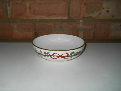 Royal Worcester 5.5  Fruit Saucer - Holly Ribbons - Made In England • 45£