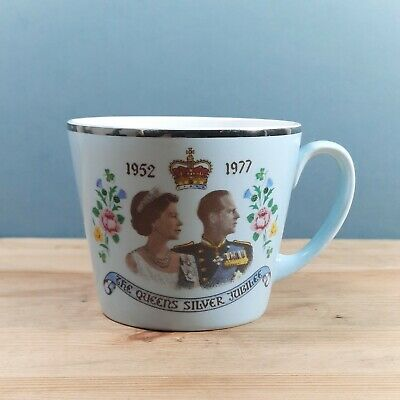 The Queens Silver Jubilee 1952-1977 Vintage Commemorative China Blue Mug Cup  • 4.99£