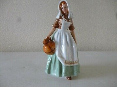 """ROYAL DOULTON """"The Milk Maid"""" HN2057. Mint Condition • 45£"""