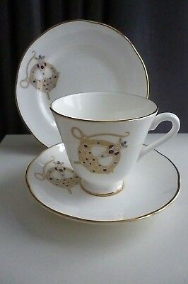 Vintage Royal Tara -  Tara Brooch  Patterned Trio-Footed Cup,Saucer & Side Plate • 15.99£