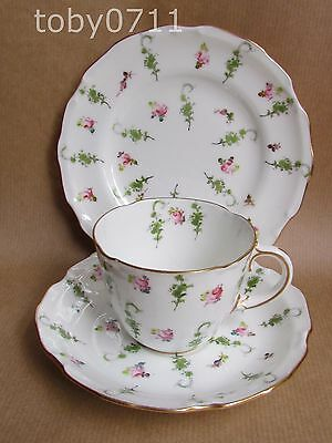 ROYAL CROWN DERBY FLORAL 6540 PATTERN TRIO (Ref1972) • 34.50£