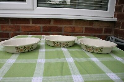 PR. Of M & S AUTUMN LEAVES - FLUTED PIE DISHES • 12.50£