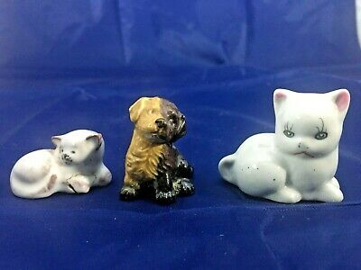 Wade Whimsie Two Toned Puppy Plus Two Small Cats Figurines • 5£