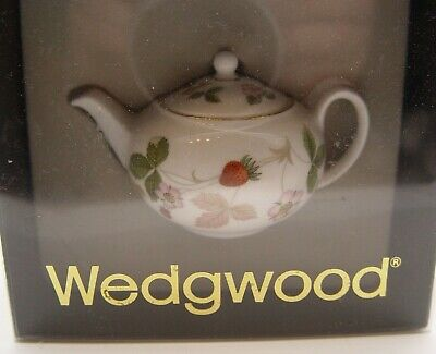 Cute Boxed Wedgwood Miniature Wild Strawberry Teapot - Perfect • 14.01£
