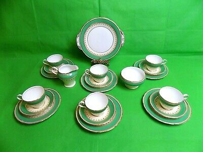 Aynsley Green / Cream / Gold Tea Set Of 21 Pieces • 105£