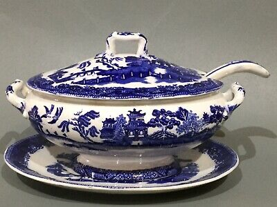 Vintage Blue & White China Doulton Willow Pattern Sauce Tureen • 14.50£