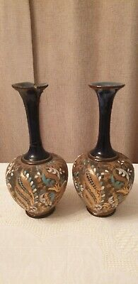 VINTAGE PAIR OF DOULTON SLATERS VASES - Significant Damage On One • 12£
