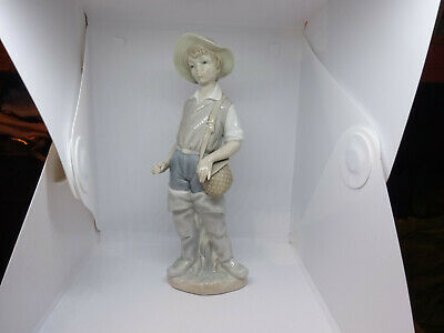 Lladro Figure Of A Boy With Hat 23cms Tall • 22£