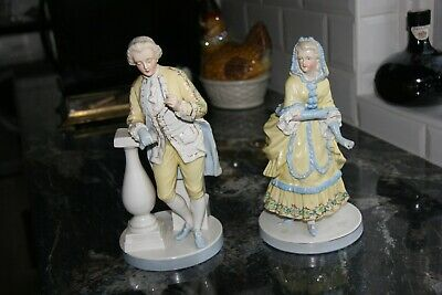 Pair Of Very Old And Charming Porcelain Figures • 98£
