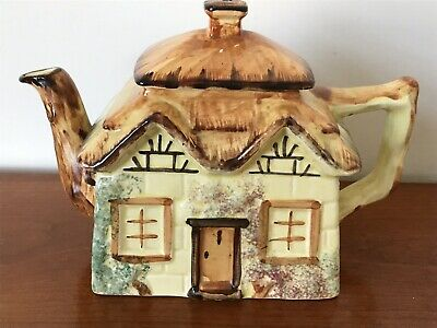 Paramount Pottery Cottage Ware Teapot. • 8.99£