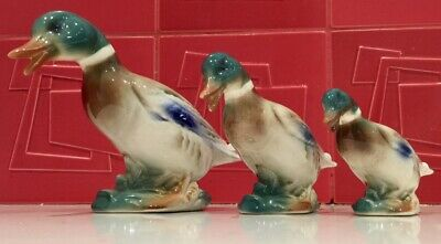 3 Pottery Ducks In Decreasing Size, Colourful • 12£