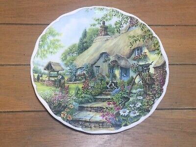 Royal Albert Dream Cottages  Summer  Plate, England • 7£