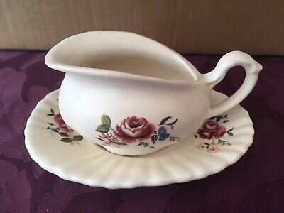 VINTAGE AXE VALE SMALL SAUCE BOAT AND UNDERPLATE - Rose • 4£