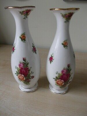 Pair Of Royal Albert 'Old Country Roses' Vases • 7.99£