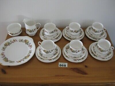 Royal Standard Lyndale China Tea Set Cup Saucers Afternoon Tea White Floral • 24.99£