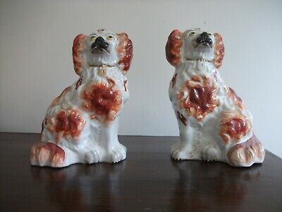 Pair Of Antique Staffordshire Dogs • 10£