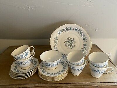 Vintage Colclough Bone China Tea Set In Braganza • 30£