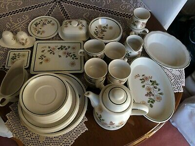 Autumn Leaves Assorted Dinner Service Marks And Spencer • 30£