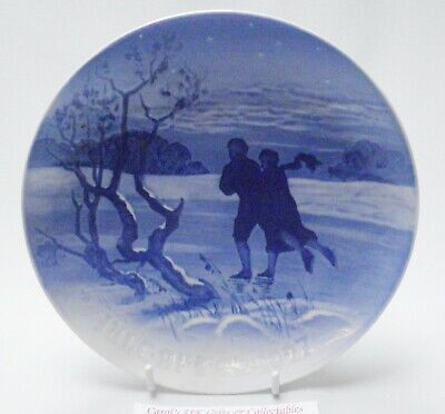 Bing & Grondahl Christmas Plate 1927 - Skating On The Lake • 39.99£