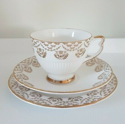 Vintage Vale White & Gilt Tea Trio Festive/Christmas • 10.95£