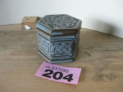 Tyn Llan Pottery Welsh Pottery Small 6 Sided Box With Lid Celtic Knot Work  • 1.99£