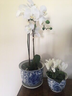 Lovely Pair Of Blue & White Decorative Planters  • 11.50£