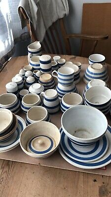 Vintage Blue And White Pottery • 10£