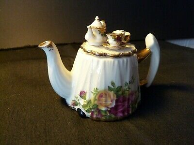 Royal Albert Old Country Roses Small Tea Pot Lid Decorated With Mini Tea Set • 9.50£