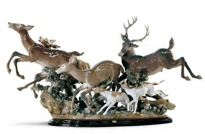 LLADRO  Persued Deers Ltd Edition Cost Retail  £24000.00 (REDUCED) • 16,450£