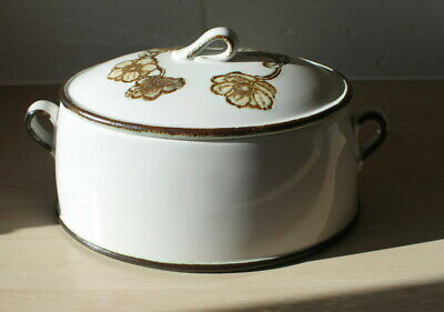 Wedgwood Casserole Dish With Lid See Photographs  • 12£