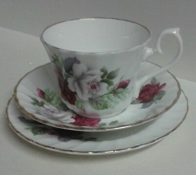Royal Sutherland China Retro Roses Trio. Cup Saucer Plate.   B9 • 5.99£