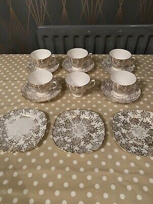 Royal Vale Bone China Teacups And Saucers • 25£