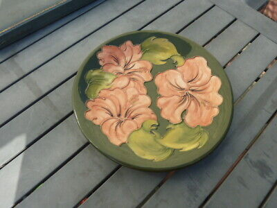 Moorcroft Hibiscus Plate, Green Background Signed. 10 Inches • 22.08£