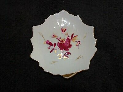 Leaf Shaped Dish With Flower Pattern • 1.99£