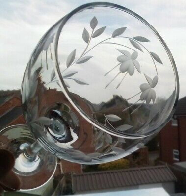 6 X Elegant Hand Cut Cascade Design Wine Glass(All Dull Cutting) • 30£
