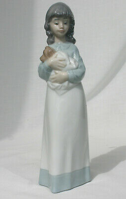 Nao Lladro Figurine  Someone To Love   Girl Cuddling Her Puppy • 18£