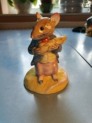 Beswick ,Beatrix Potter, Johnny Town Mouse Eating Corn. • 14£
