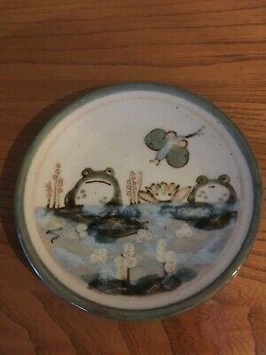 Highland Stoneware Decorative 19.5cm Wall Plate With 2 Frogs And Butterfly • 42£