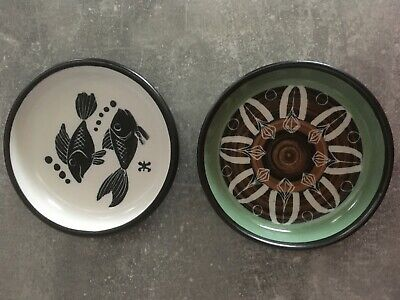 2 Signed Ambleside  Pottery Dishes: Pisces And Sgraffito Geometrical Pattern • 22£