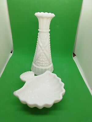 Vintage Milk Glass Vase And Footed Shell.  • 6£