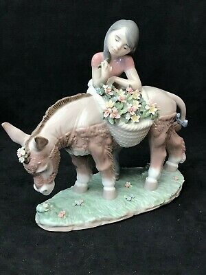 """Lladro Figurine 6165 """"Pretty Cargo"""" Girl Standing By Donkey With Baskets Of Flow • 31£"""