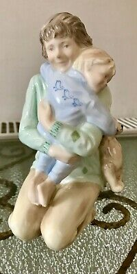A Beautiful Original Vintage China Figurine ' Big Hug '  Wedgewood  Ex Cond • 5£