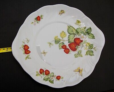 Queen's China Virginia Strawberry - Eared Bread / Cake Plate • 9.99£