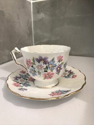 Aynsley Cup & Saucer Floral • 1£