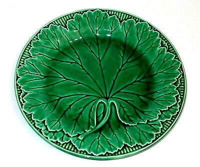 Vintage Wedgwood Dark Green 8 Inch Plate With Leaf Pattern In Good Condition • 12.99£